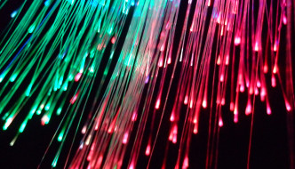 Fibra óptica. Foto de p_luka